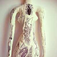 13_alice-tatouee-buste-site.jpg